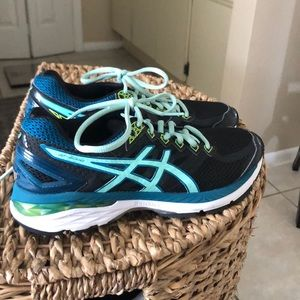 Asics running shoes, NEW
